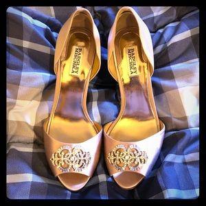 Size 10 Badgley Mischka mauve heels
